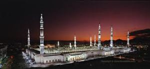 Masjid e Nabi <Courtesy:http://islamicamazingpictures.blogspot.com>